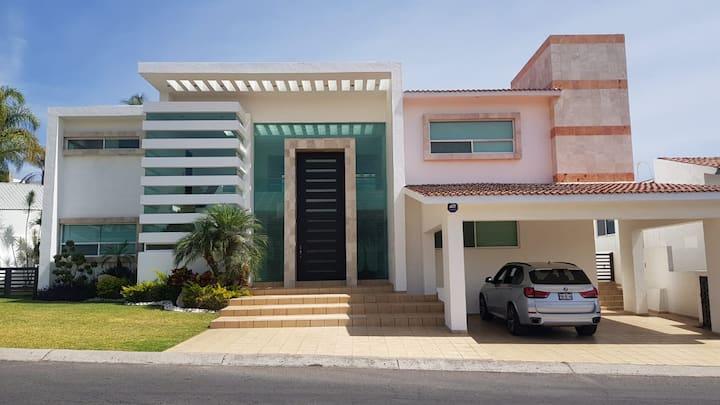 Hermosa Residencia en Lomas de Coyococ, Morelos