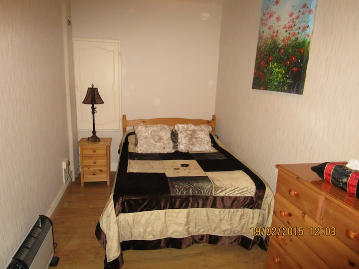 Spacious Room in  Galway City Centre
