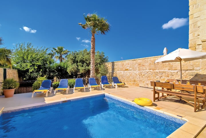 Villa Strawberry Hills-Charming private pool villa