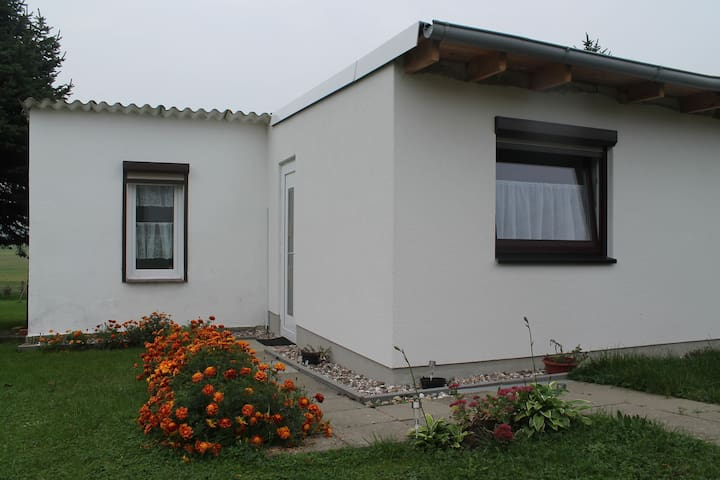 Comfortably furnished holiday bungalow in the country