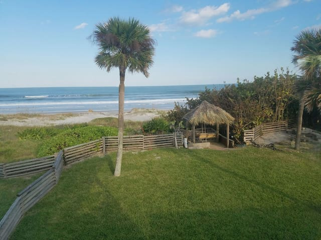 3B 3Ba Beach House ON THE BEACH - Cocoa Beach - House