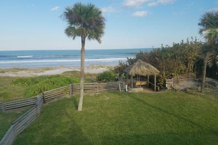 3B 3Ba Beach House ON THE BEACH - Cocoa Beach - Casa