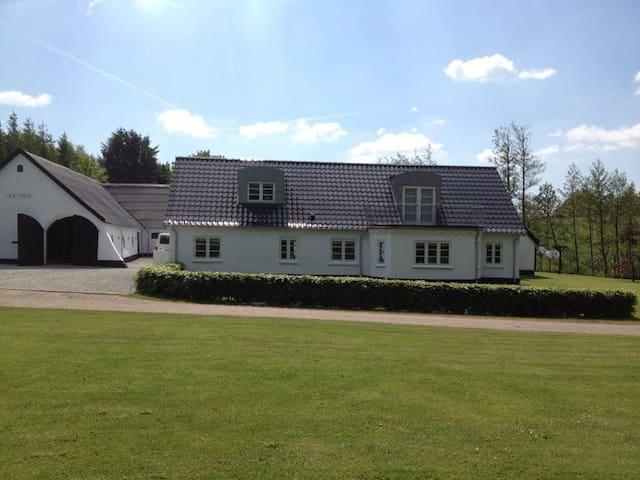 Landejendom i naturskønne omgivelse - Hjørring - Wohnung