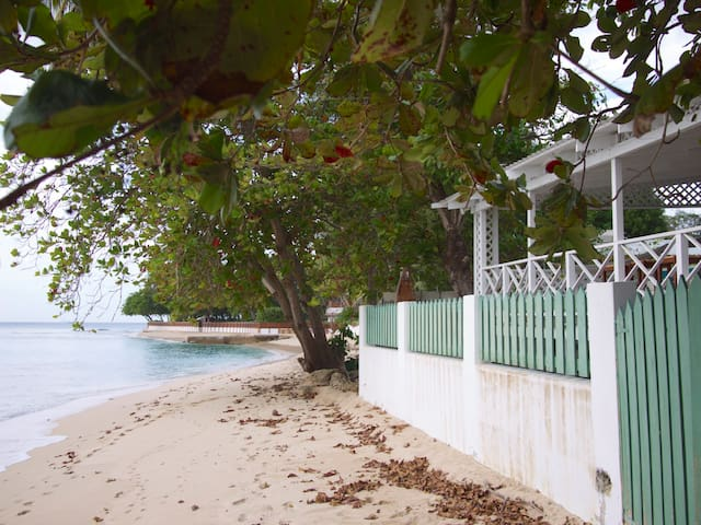 Charming 2 Bdrm House on Fantastic Beach - Reeds Bay - Ev
