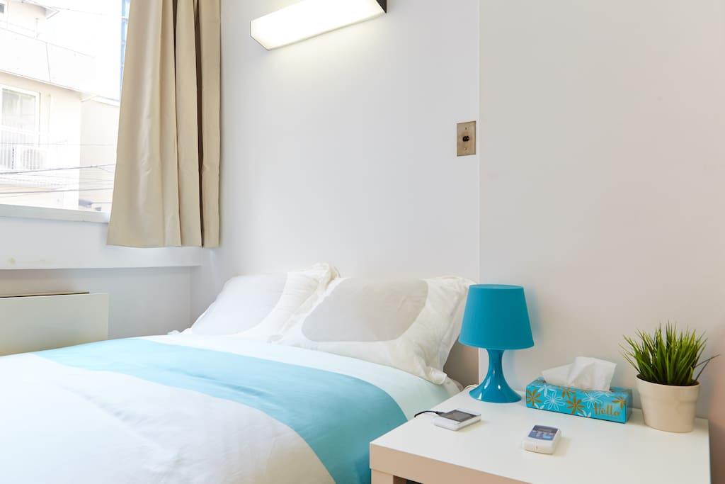 1 Semi Double Size Bed (120cmx200cm)
