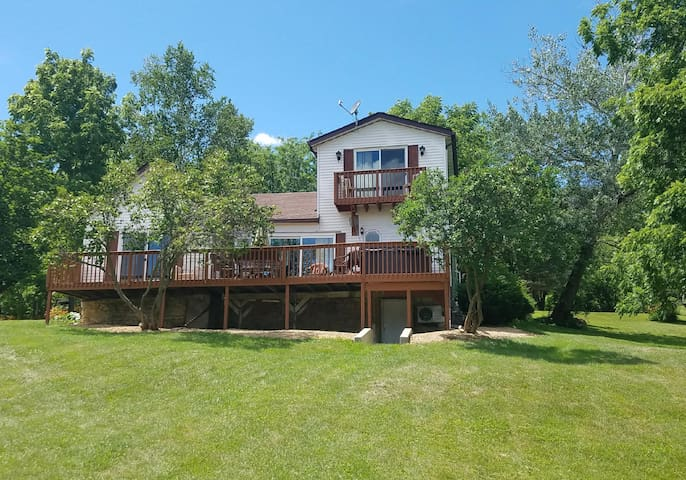 Beautiful CountryViewHome in Galena