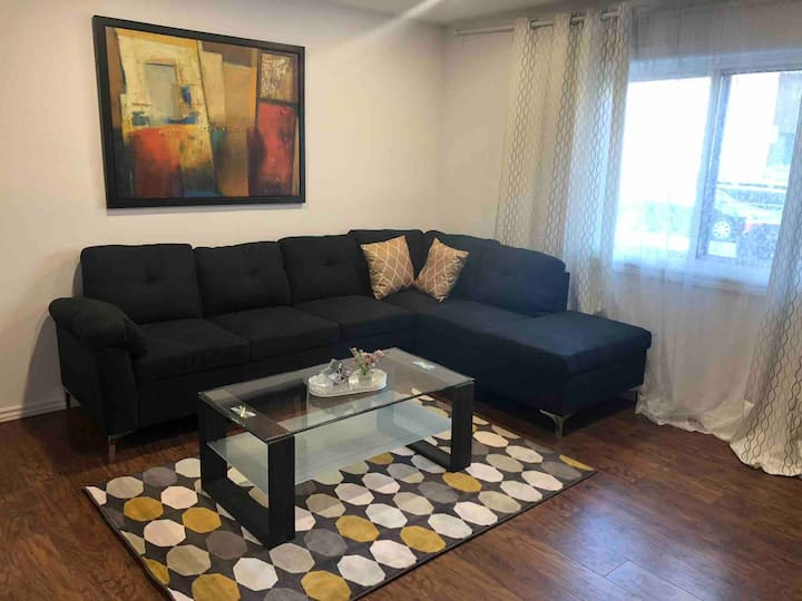 Spacious Appartment with 3 bedrooms and 2 parking