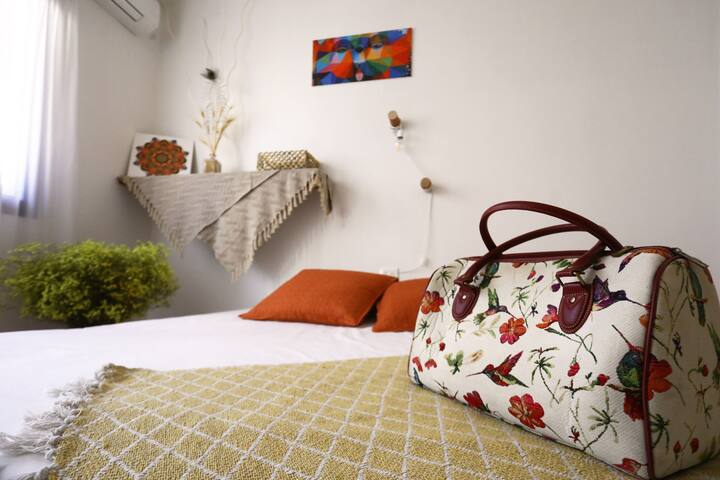 Room 1 - Detail