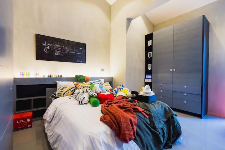 客房二,标准双人床1.5m×2m