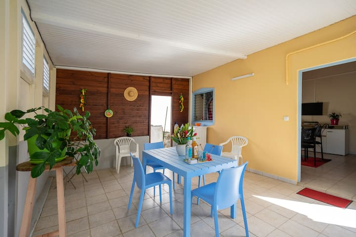 House with one bedroom in Rivière-Salée, with enclosed garden and WiFi - 6 km from the beach