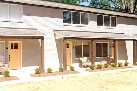2BR Close to Uptown Charlotte Pet Friendly (310 B)