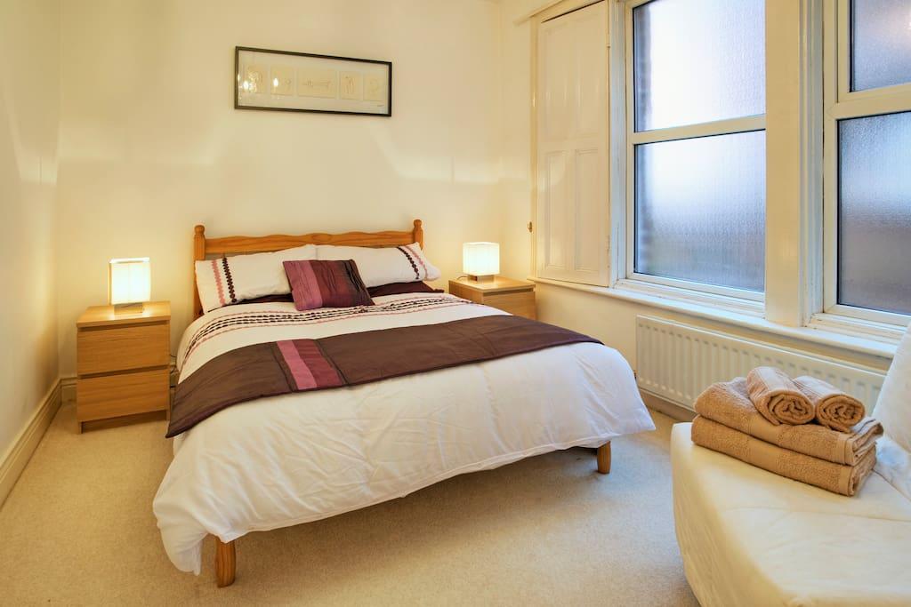 Haldane Apartment,  Newcastle the master bedroom