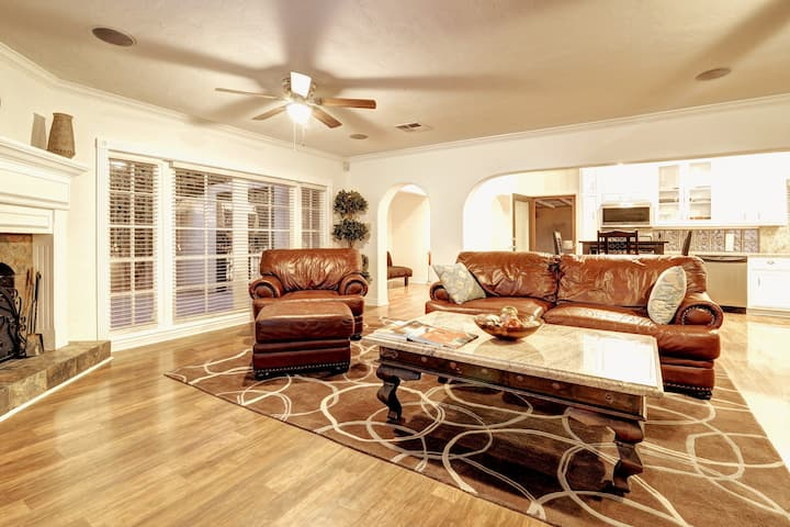 2BR 2BATH Beautiful Central Phx  Home