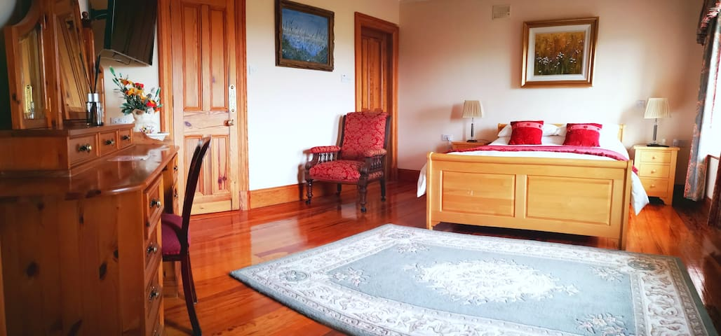 Fanore House, Coast Road, Oranmore - Double Room