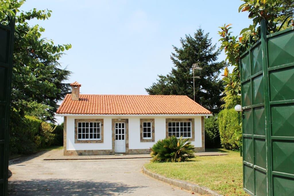 Casa rural con encanto al lado de la playa chalets for - Casa rural con encanto galicia ...