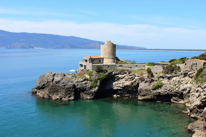 Exclusive charming tower private access to the sea - Ansedonia