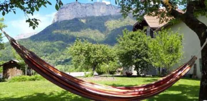 Le Gîte de la Maison Soleil entre lac et montagne