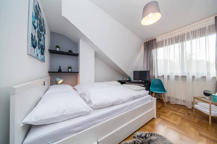 Houzzz21 - cosy double room with forest view
