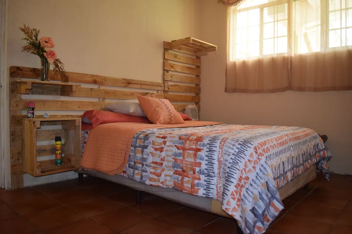 Low Price apartment 5min from Casa de Dios Church