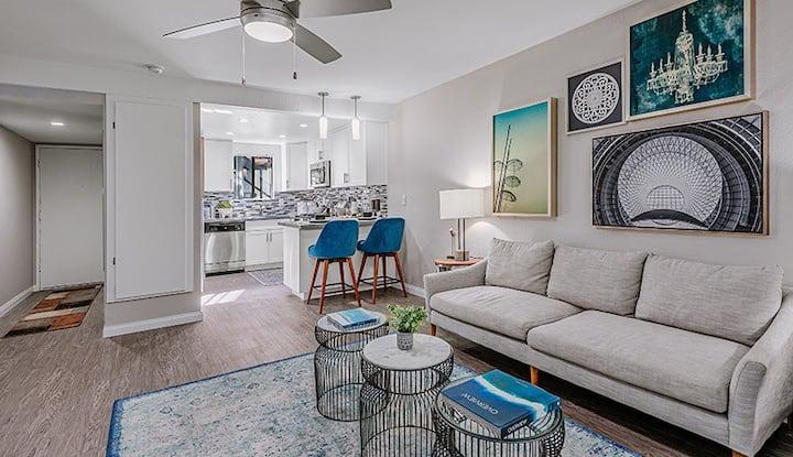 Luxury apartment in South Coast metro