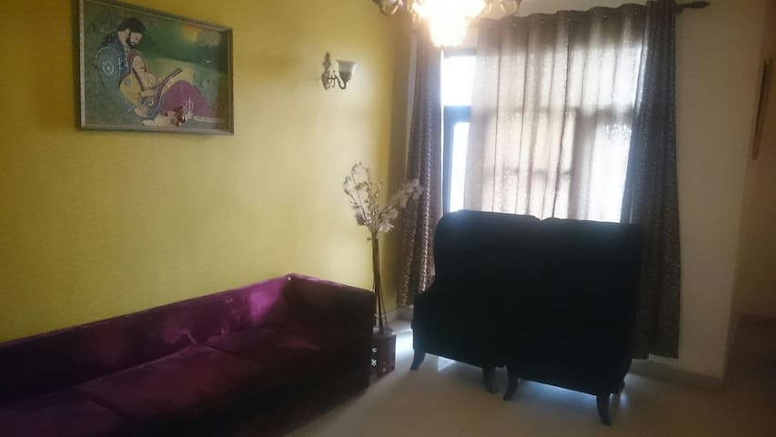HOME AWAY FROM HOME - Chandigarh - Appartement