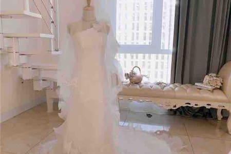 【Daydream】龙凤/萨尔图/石油大学/婚纱写真主题公寓/loft/落地窗摄影/艺术/万达/东站