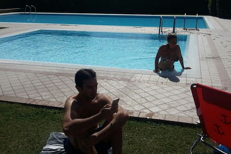 Casa relax con giardino e piscina.. - Lazise - Haus