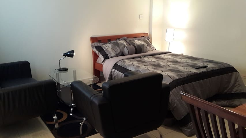 Cosy Studio Apartment for two in Downtown Nairobi - Nairobi - Inny