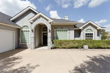 Executive Home Incredible Lake View Jacuzzi  Relax