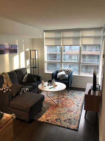 Private 1-bdrm Condo in the heart of downtown