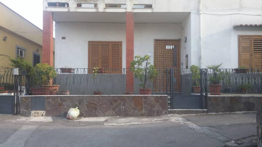 appartamento bilocale con terrazzino - Ottaviano - Byt