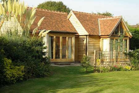 Lovely spacious modern Lodge near Goodwood Hotel - West Sussex - Bungalow