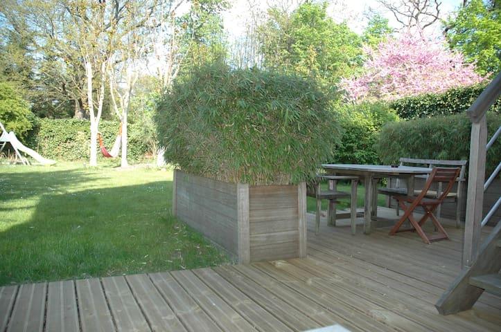 Maison entière - 3 chambres - Terrasse et Jardin - Le Vésinet - House