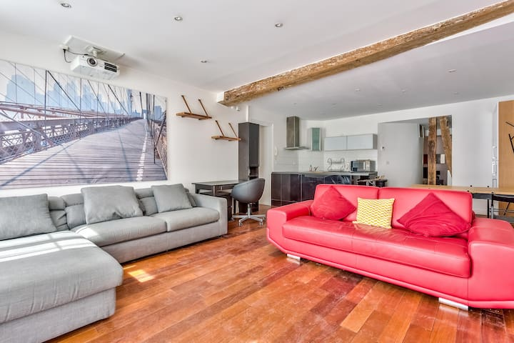Spacious Apartment In Hip/Trendy Area For 6 !
