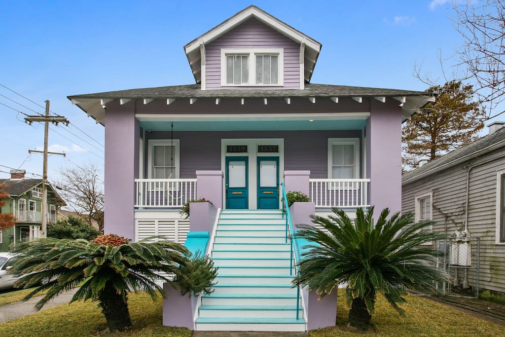 Spacious Uptown Retreat Summer Special Offers Houses