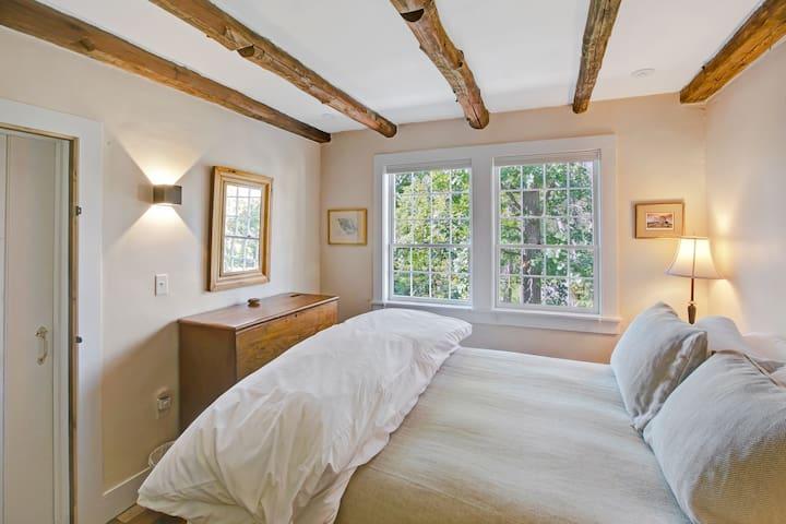 Third Bedroom with Queen bed.