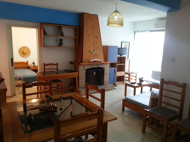 Beach Apartments for Rent in Oropos - Oropos - Daire