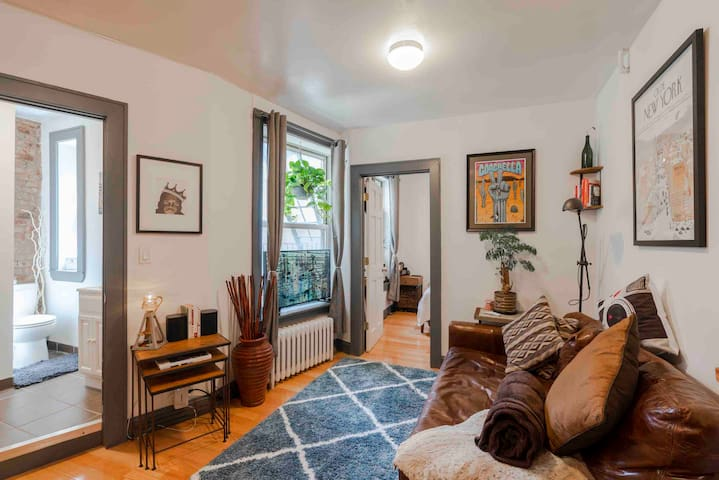 Rustic & Warm, Spacious, Greenwich Village Apt