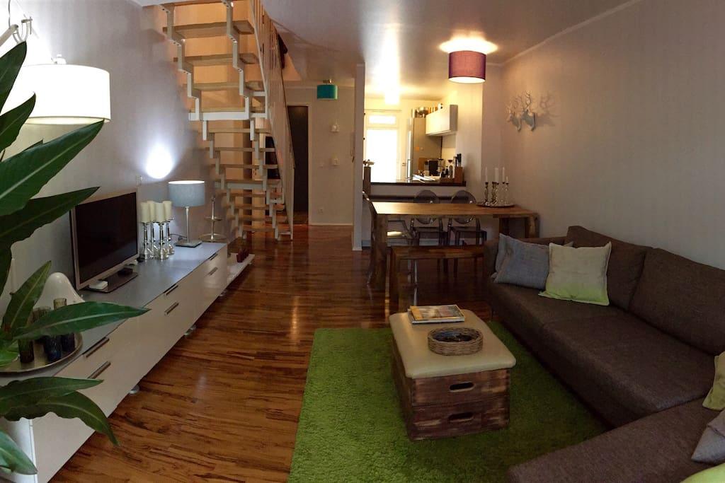 maisonette wohnung gegen ber ezb apartments for rent in frankfurt am main hessen germany. Black Bedroom Furniture Sets. Home Design Ideas