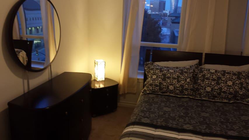 1BD BEAUTIFUL, HEARTH OF DOWN TOWN  - Mississauga - Appartamento