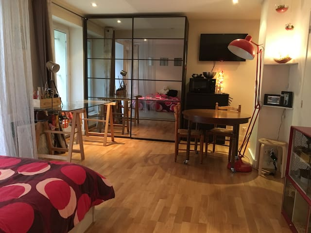 Studio 30m2 Paris 13 place d'Italie