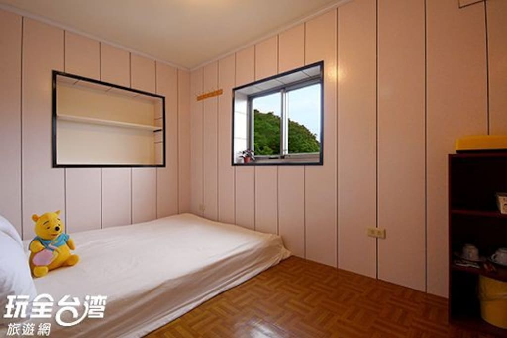 舒適的背包客雅房及鬆軟的棉被和床