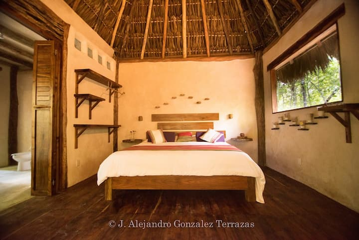 Peaceful and cozy jungle hideaway close to Tulum