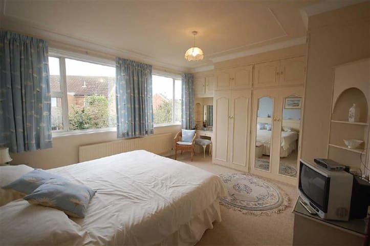 Nice private room in Sunderland - Whitburn