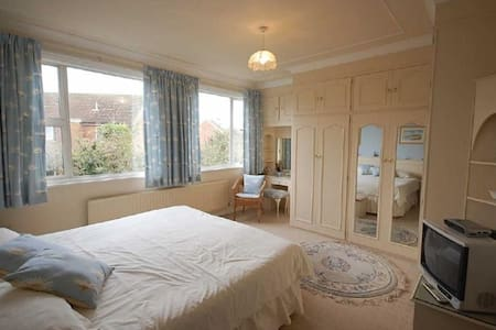 Nice private room in Sunderland - Whitburn - Hus