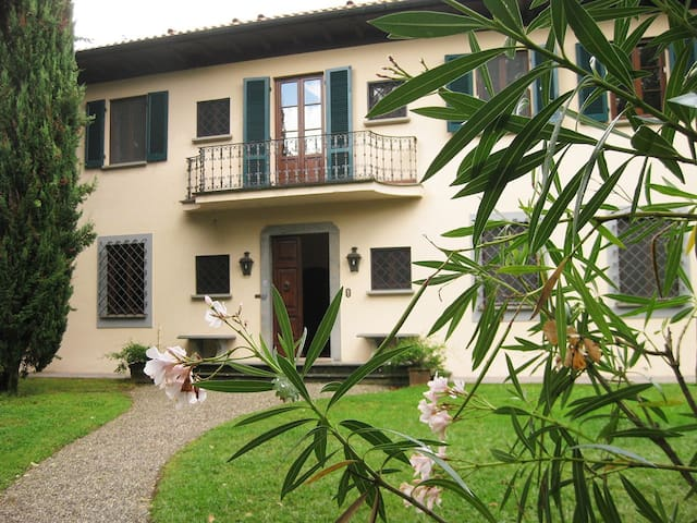 Villa Isa - Lucca - Lucca - Villa