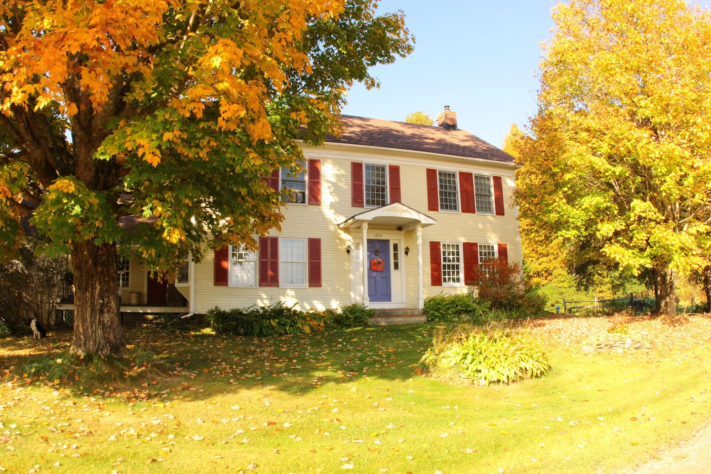 Johnnycake Flats Bed and Breakfast, fall foliage