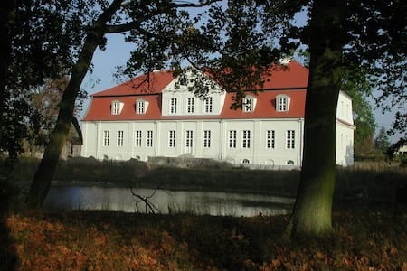 Jagdschloss Kotelow - Kotelow - Bed & Breakfast
