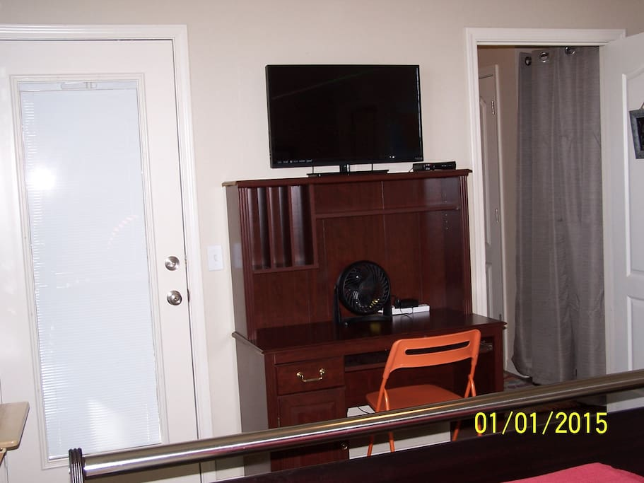 Your private room has a desk, wifi, cable TV and a door to the screened patio.