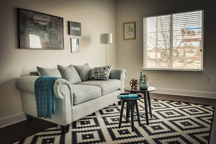 Chic 1br Apt in Hip Plaza Midwood Near Everything!